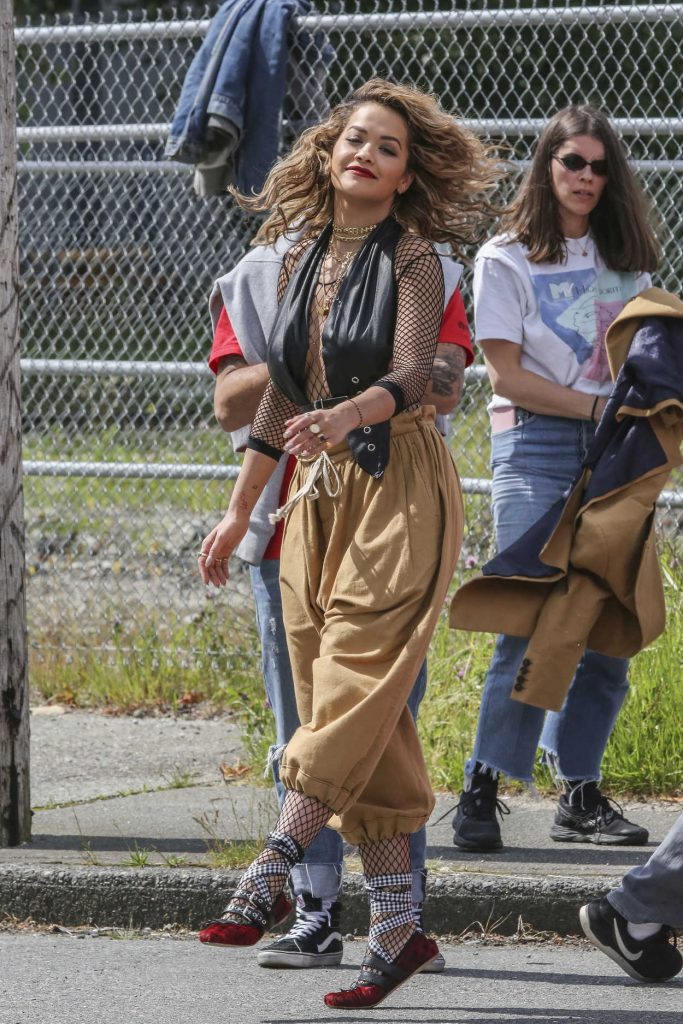 Rita Ora Films a Music Video in Vancouver 06/10/2017-5