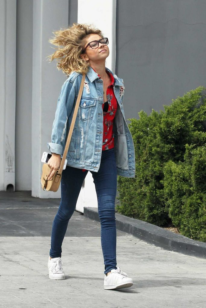 Sarah Hyland Visits an Optometrist Office in LA 05/31/2017-3