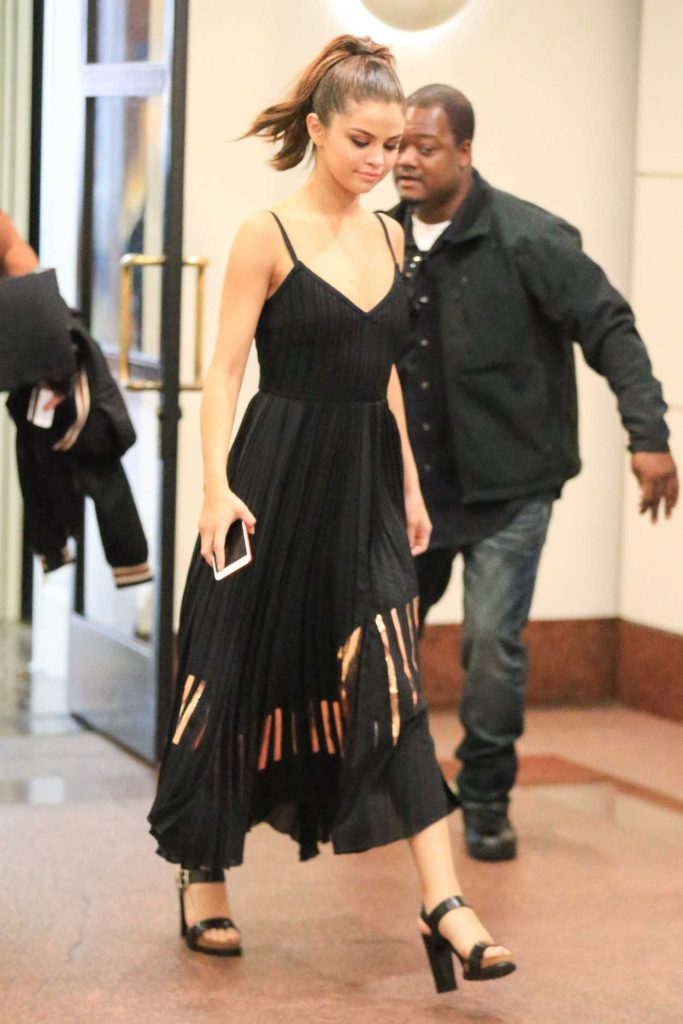 Selena Gomez Promotes Her New Song in Los Angeles 06/08/2017-4