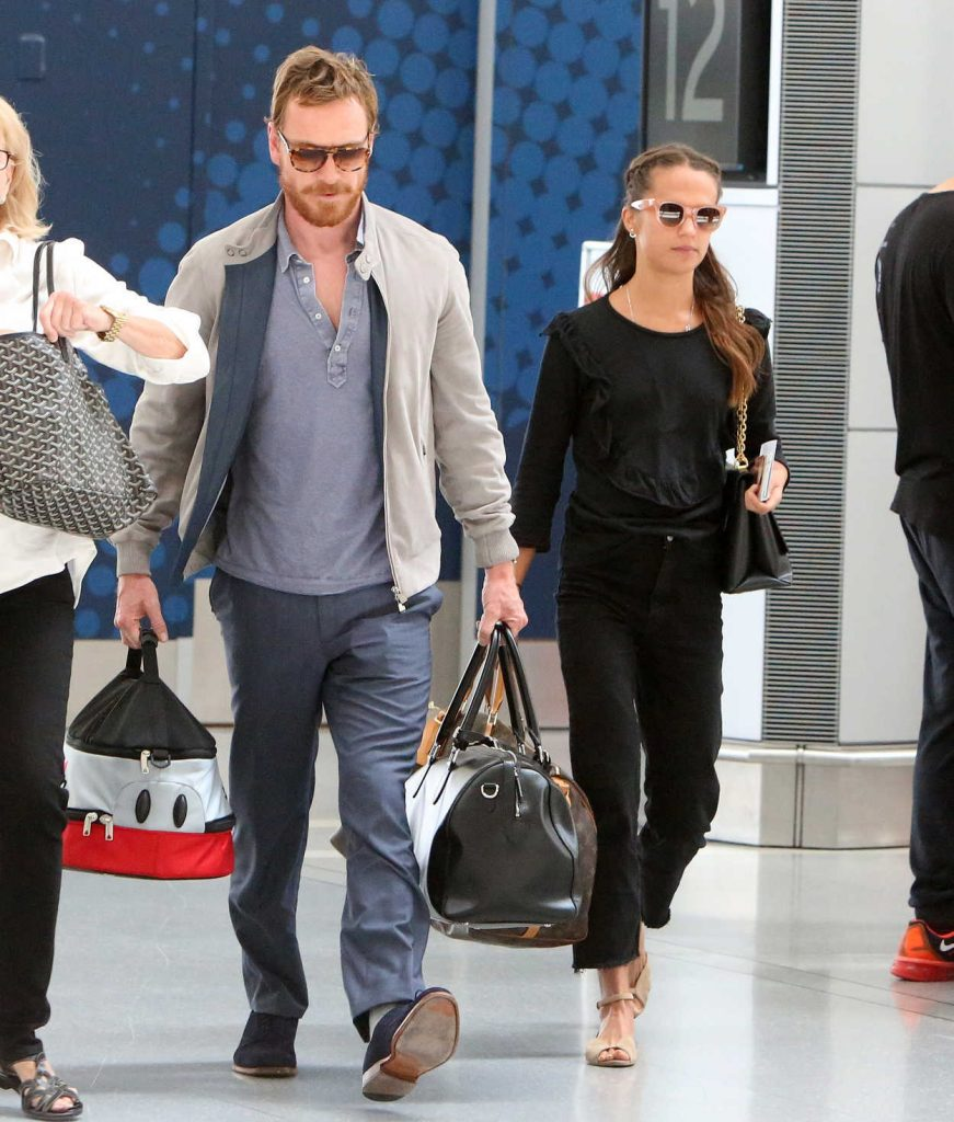Alicia Vikander Was Seen in Toronto Airport With Michael Fassbender 07/17/2017-3