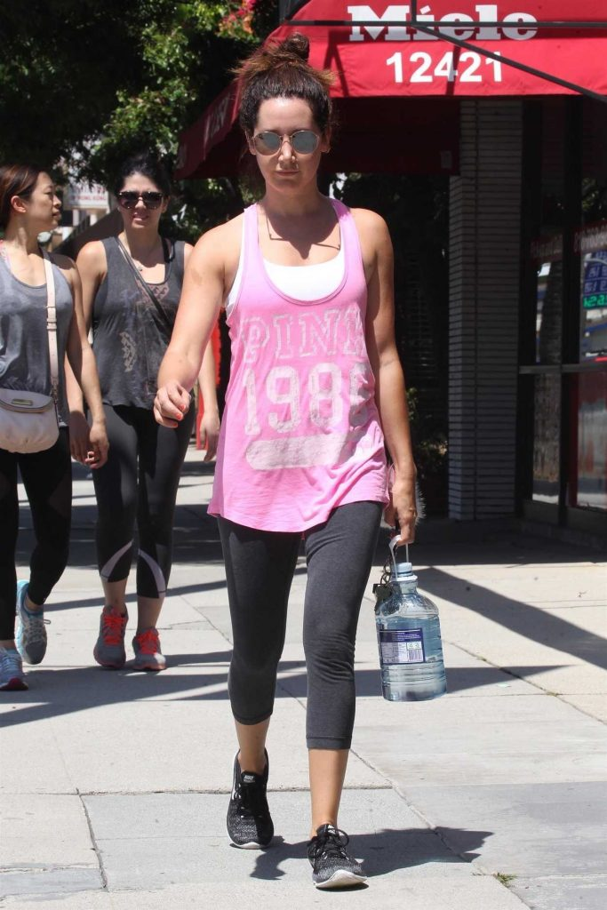 Ashley Tisdale Arrives to the Gym in LA 07/14/2017-3