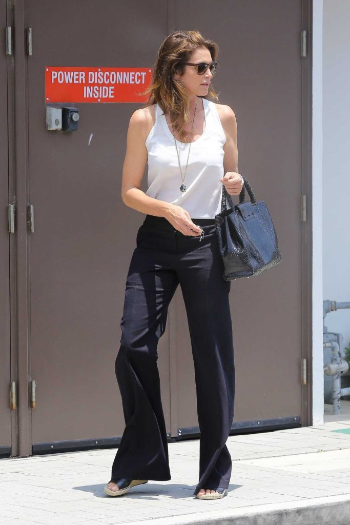 Cindy Crawford Leaves the Malibu Country Mart in Malibu 07/13/2017-1