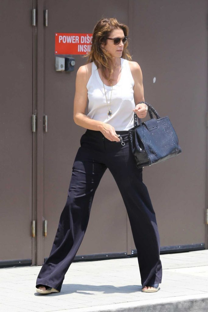 Cindy Crawford Leaves the Malibu Country Mart in Malibu 07/13/2017-2