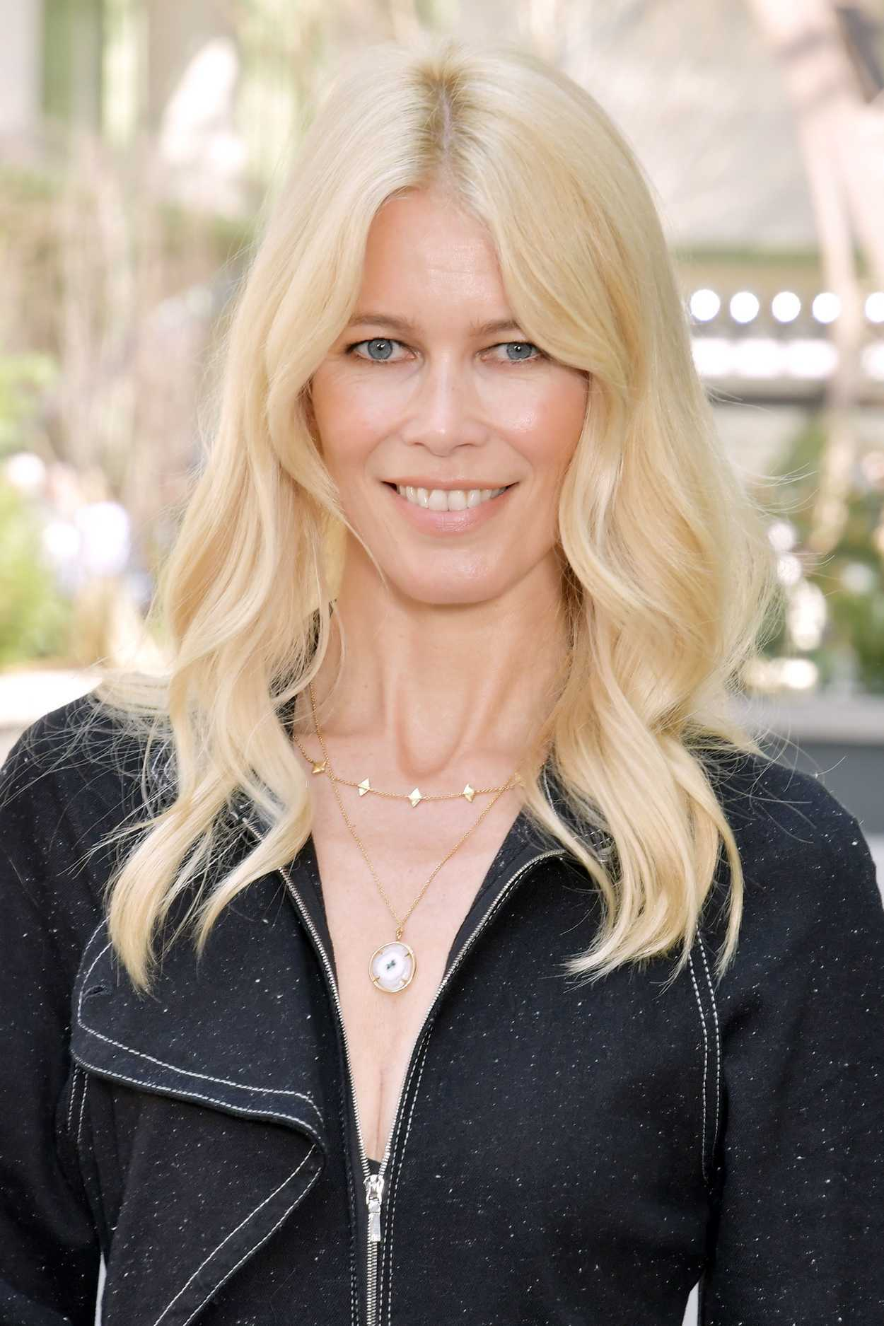 Selin Dion Claudia Schiffer Arrives At The Chanel Show During The