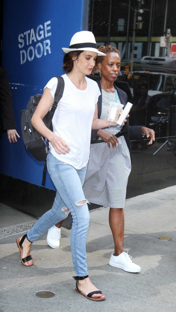 Cobie Smulders Was Seen Out in New York 07/13/2017-3