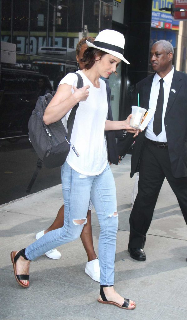 Cobie Smulders Was Seen Out in New York 07/13/2017-4