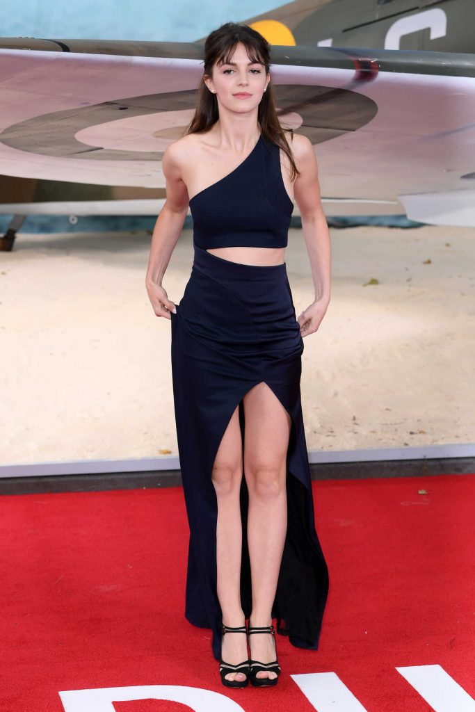 Ella Hunt at the Dunkirk World Premiere in London 07/13/2017-2