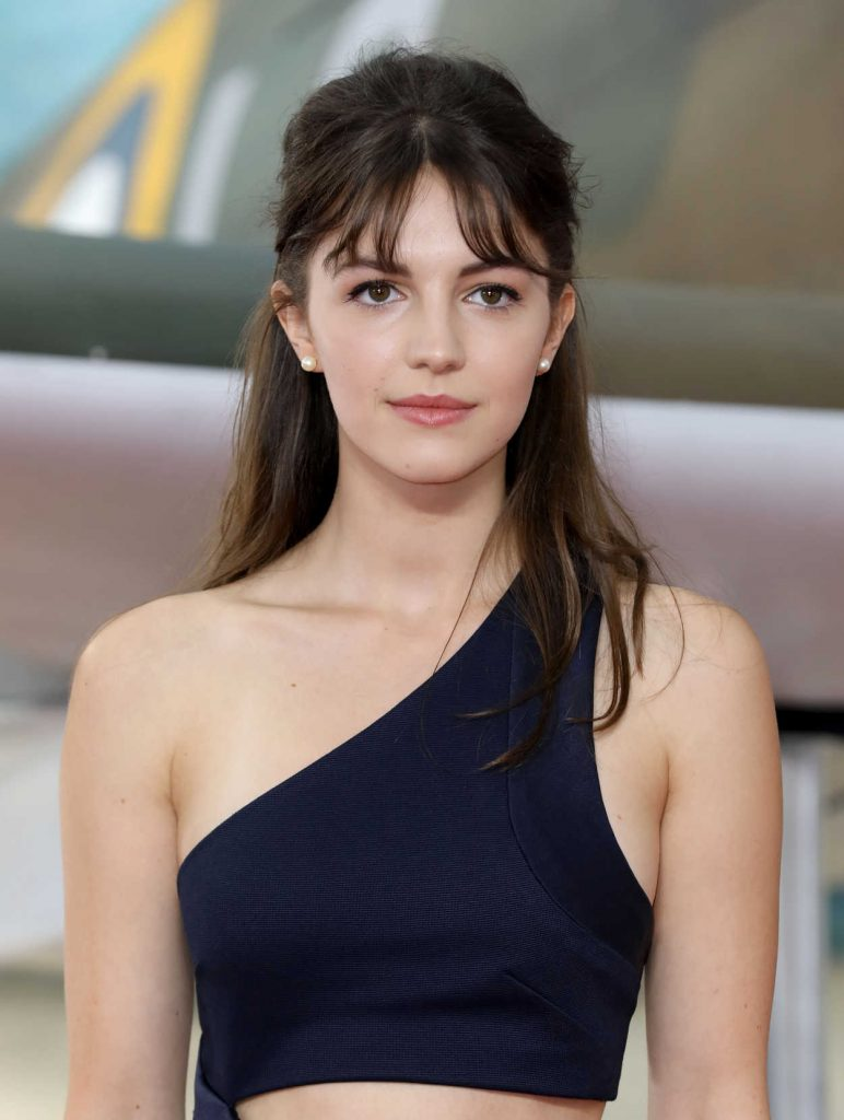 Ella Hunt at the Dunkirk World Premiere in London 07/13/2017-5