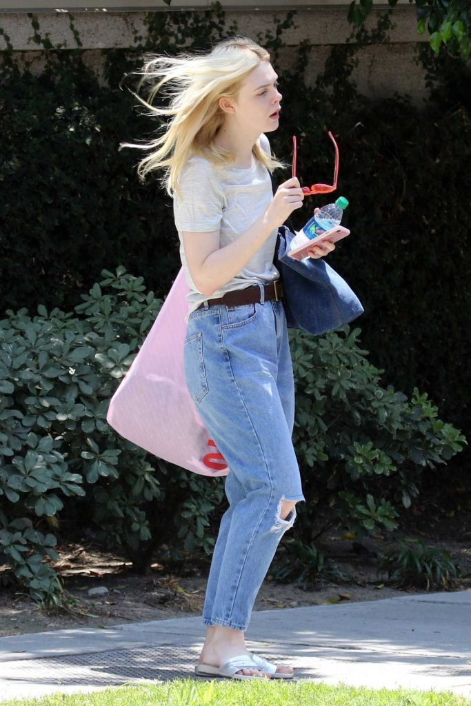 Elle Fanning Exits a Studio in Studio City 06/29/2017-1