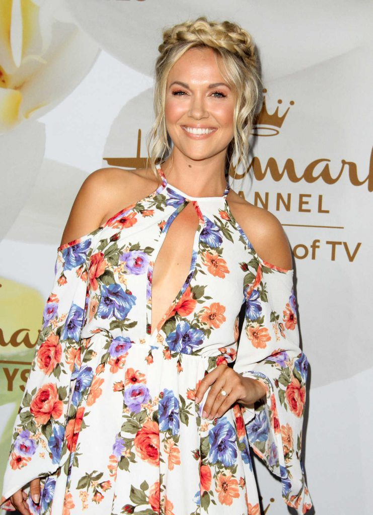 Emilie Ullerup at Hallmark Evening Event During the TCA Summer Press Tour in Los Angeles 07/27/2017-4