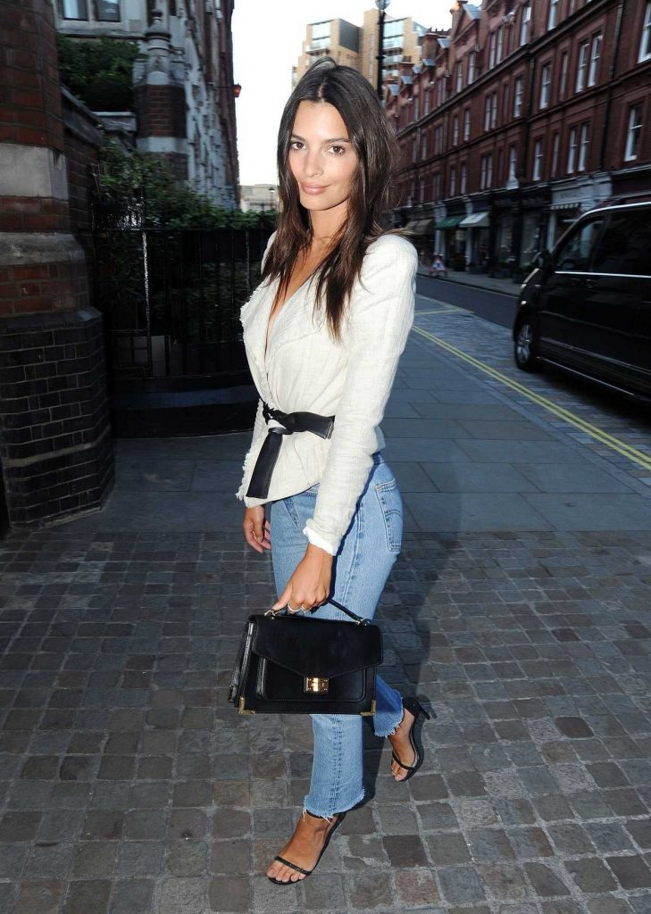 Emily Ratajkowski at the Chiltern Firehouse in London 07/02/2017-4