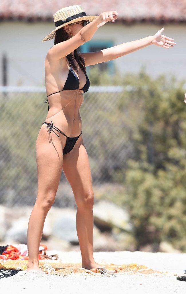 Emily Ratajkowski Wears a Black Bikini at the Beach in Malibu 07/18/2017-2
