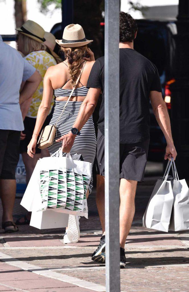 Eva Longoria Goes Shopping in Puerto Banus 07/19/2017-5