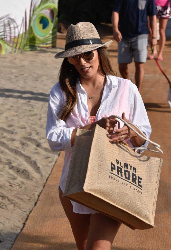 Eva Longoria Leaves the Beach Club in Marbella 07/13/2017-5
