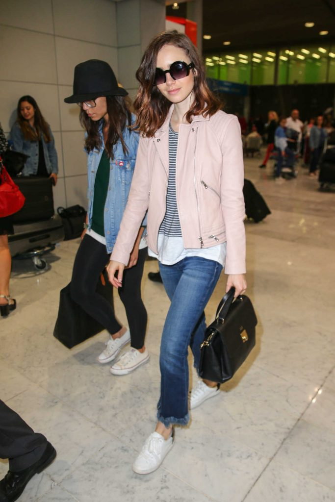 Lily Collins Arrives at CDG Airport in Paris 07/02/2017-4