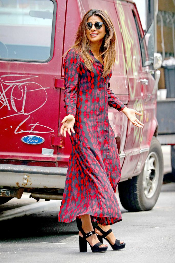Priyanka Chopra Wears a Black and Red Printed Shirt Dress Out in New York City 07/28/2017-2