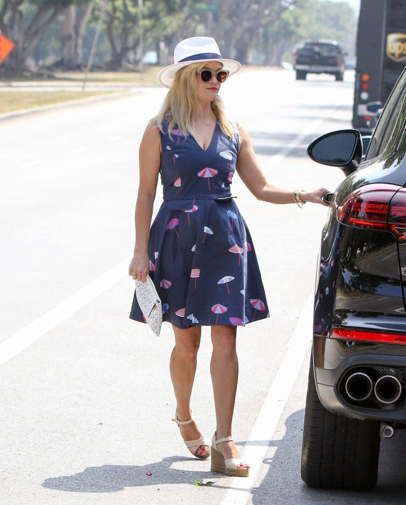 Reese Witherspoon Was Seen Out in Los Angeles 06/29/2017-4