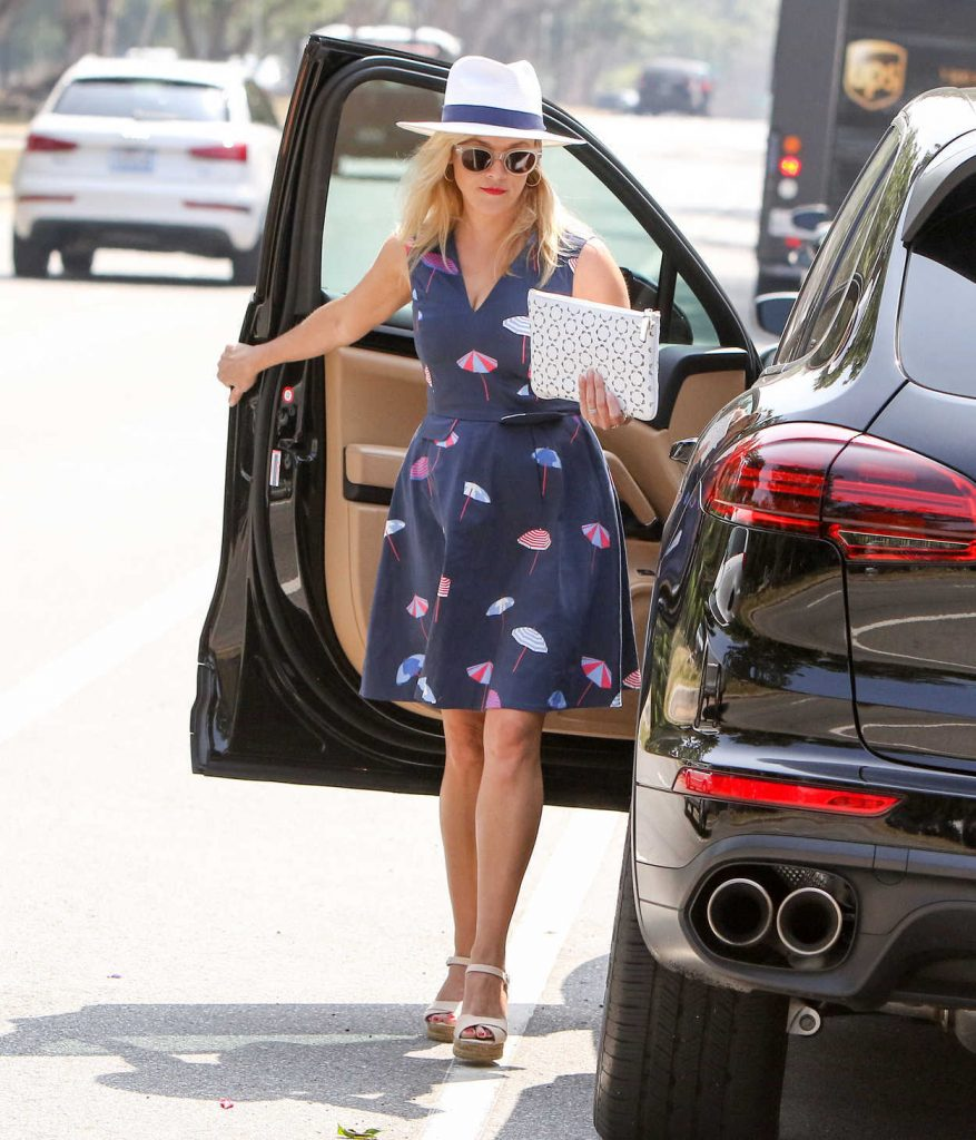 Reese Witherspoon Was Seen Out in Los Angeles 06/29/2017-5