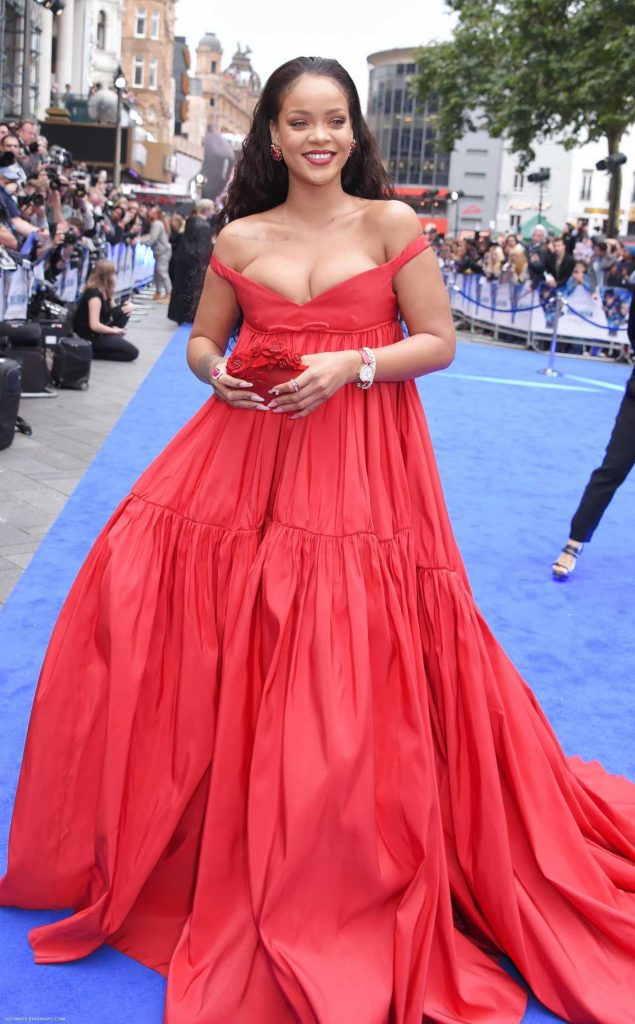 Rihanna Attends the Valerian Premiere in London 07/24/2017-1