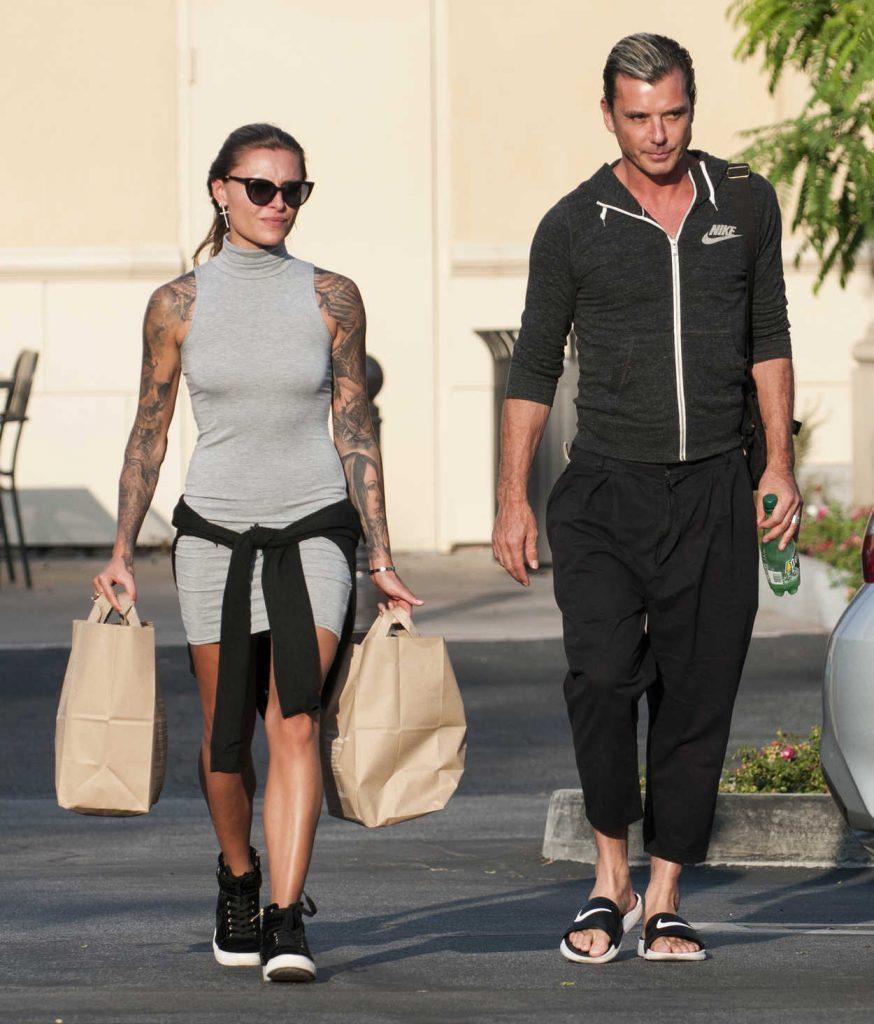 Sophia Thomalla Goes Shopping in Los Angeles 07/10/2017-5
