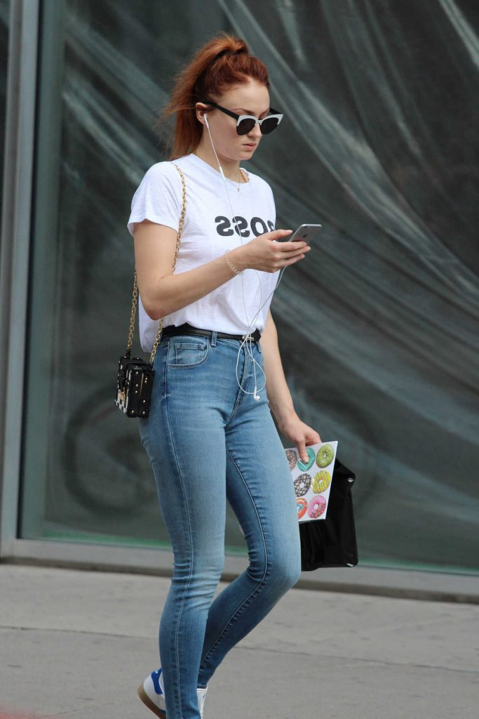 Sophie Turner Shops Out in Montreal 07/15/2017-2