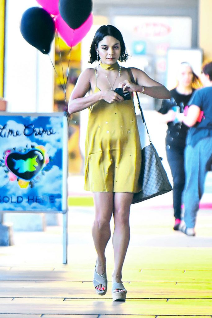Vanessa Hudgens Was Seen Out in Los Angeles 07/06/2017-3