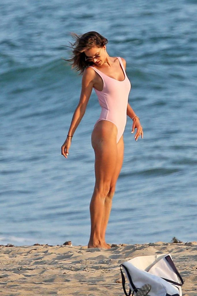 Alessandra Ambrosio Wears a Pink Swimsuit During a Photoshoot in Malibu 08/05/2017-2