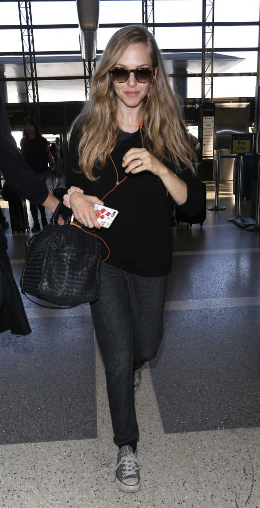 Amanda Seyfried Was Spotted at LAX Airport in LA 08/29/2017-1