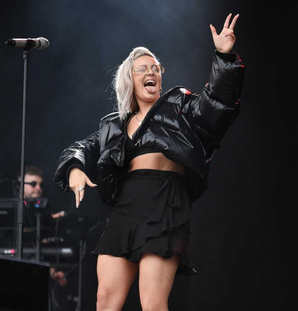 Anne-Marie Performes at the 2017 V Festival in Chelmsford 08/19/2017-1