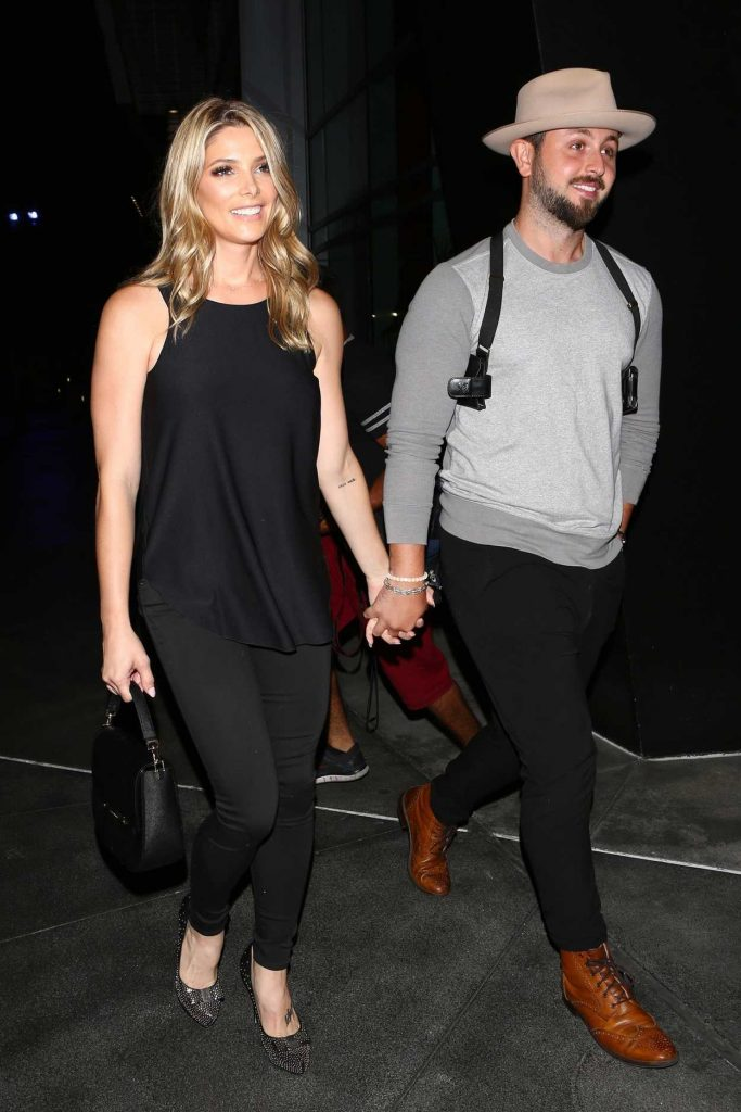 Ashley Greene Arrives for the Ed Sheeran Concert in LA With Paul Khoury 08/10/2017-4