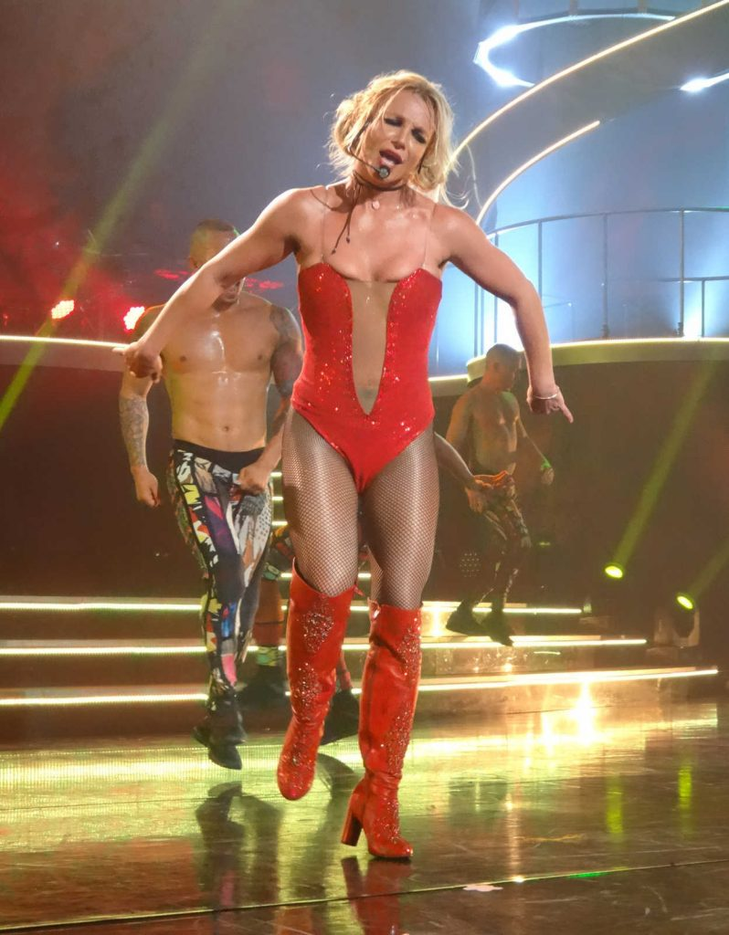 Britney Spears Performs at Planet Hollywood in Las Vegas 08/09/2017-1