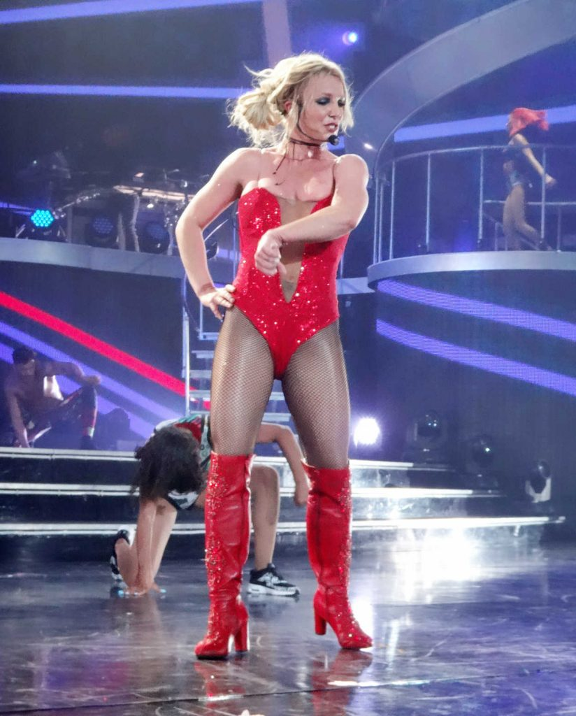 Britney Spears Performs at Planet Hollywood in Las Vegas 08/09/2017-2