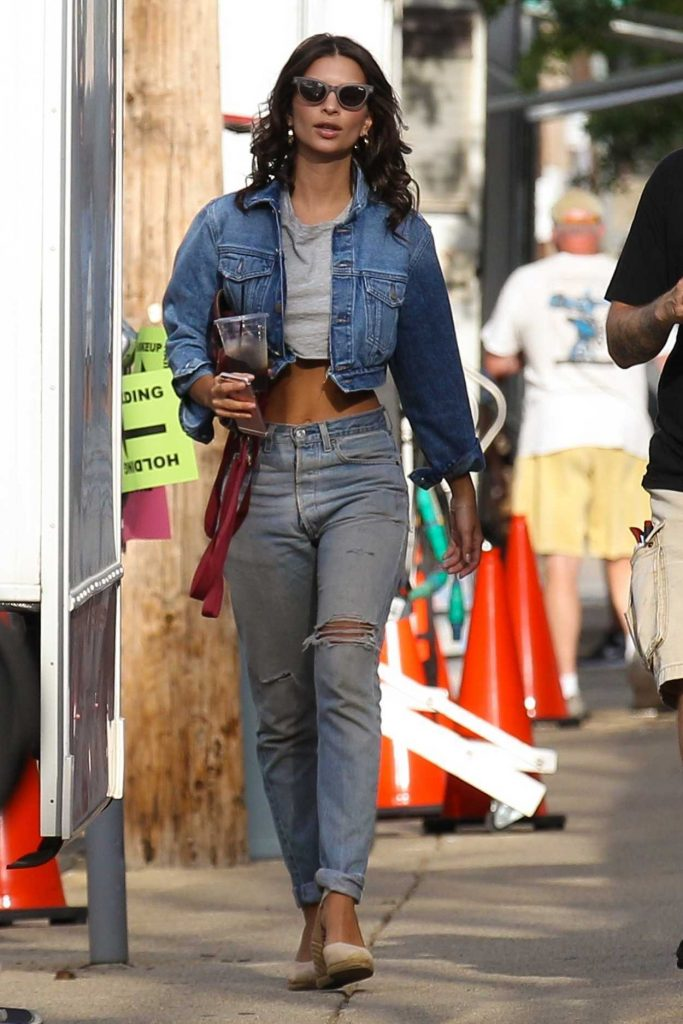 Emily Ratajkowski on the Set of I Feel Pretty in Boston 08/11/2017-1