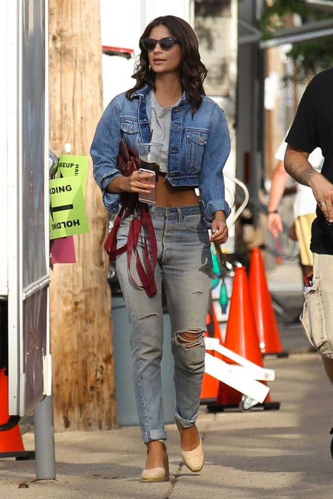 Emily Ratajkowski on the Set of I Feel Pretty in Boston 08/11/2017-2