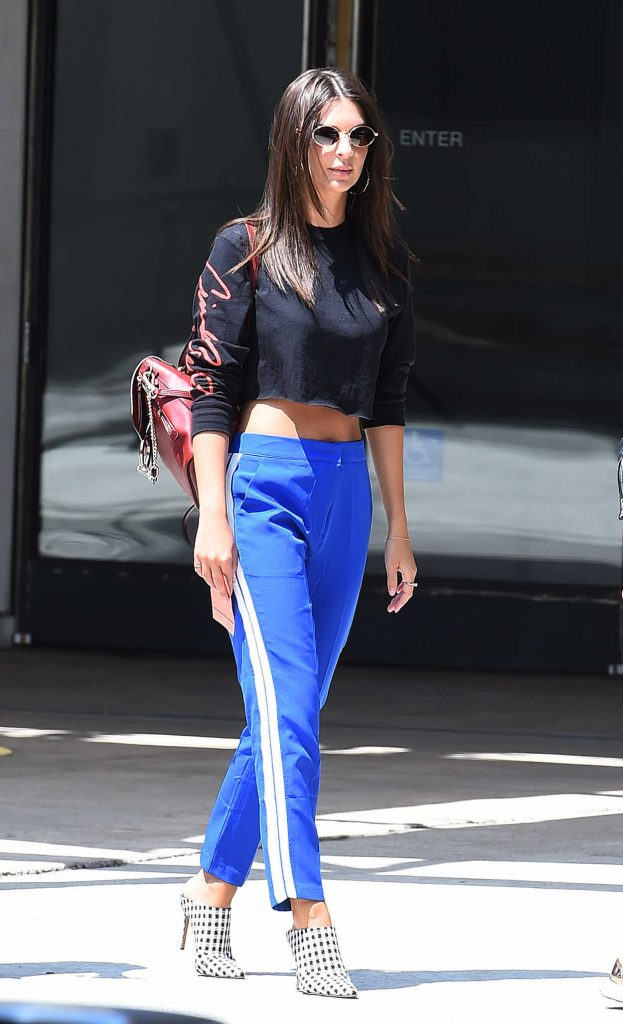 Emily Ratajkowski Was Seen With Her Mother and Boyfriend Out in LA 08/24/2017-1