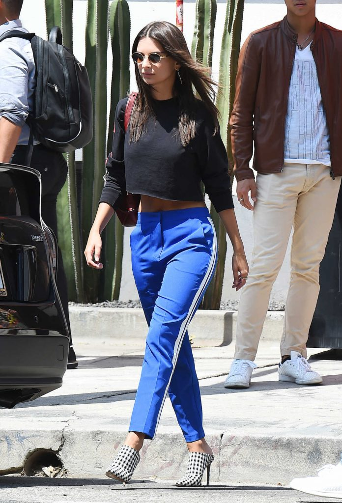 Emily Ratajkowski Was Seen With Her Mother and Boyfriend Out in LA 08/24/2017-2