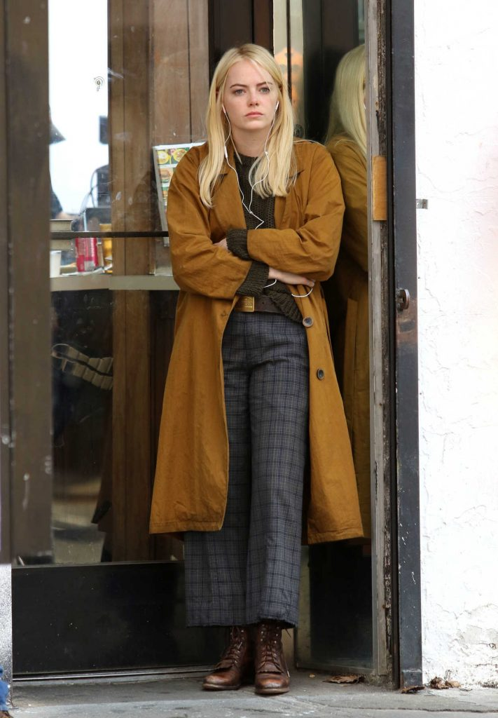 Emma Stone on the Set of Netflilx Series Maniac in Downtown Manhattan in NYC 08/14/2017-1