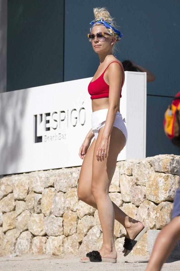 Pixie Lott Wears a Swimwear at the Beach in Mallorca 08/24/2017-2