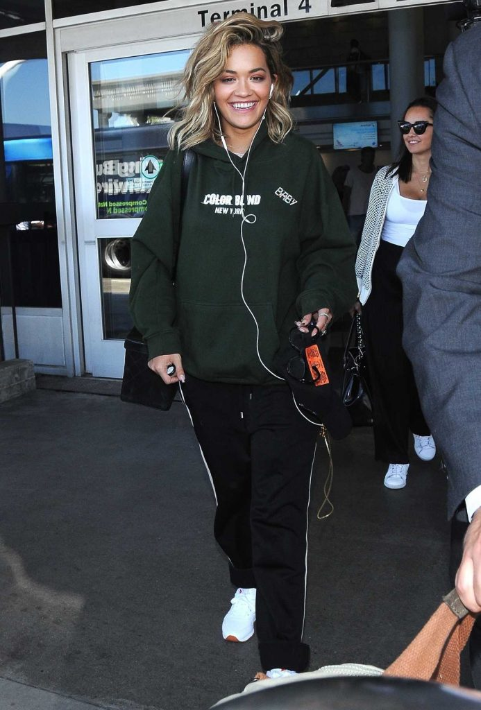 Rita Ora Arrives at LAX Airport in Los Angeles 08/08/2017-5