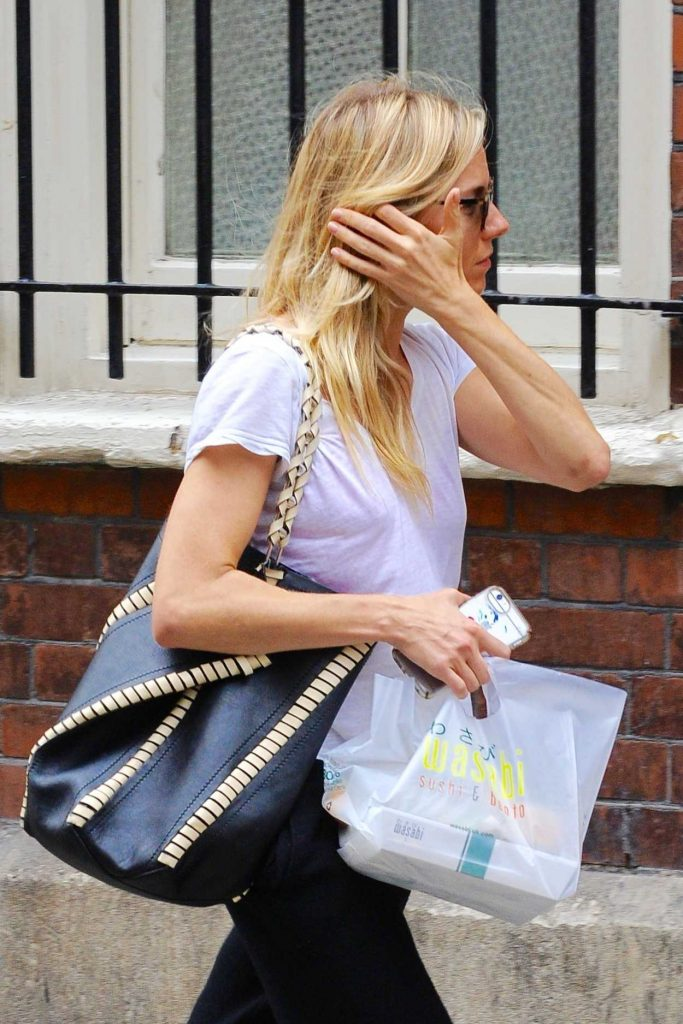 Sienna Miller Arrives at Apollo Theatre in London 08/21/2017-1