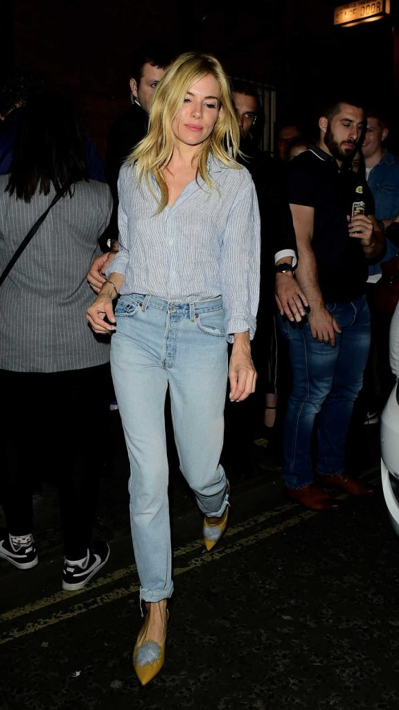 Sienna Miller Leaves Apollo Theatre in London After Her Performance in Cat on a Hot Tin Roof 08/12/2017-1