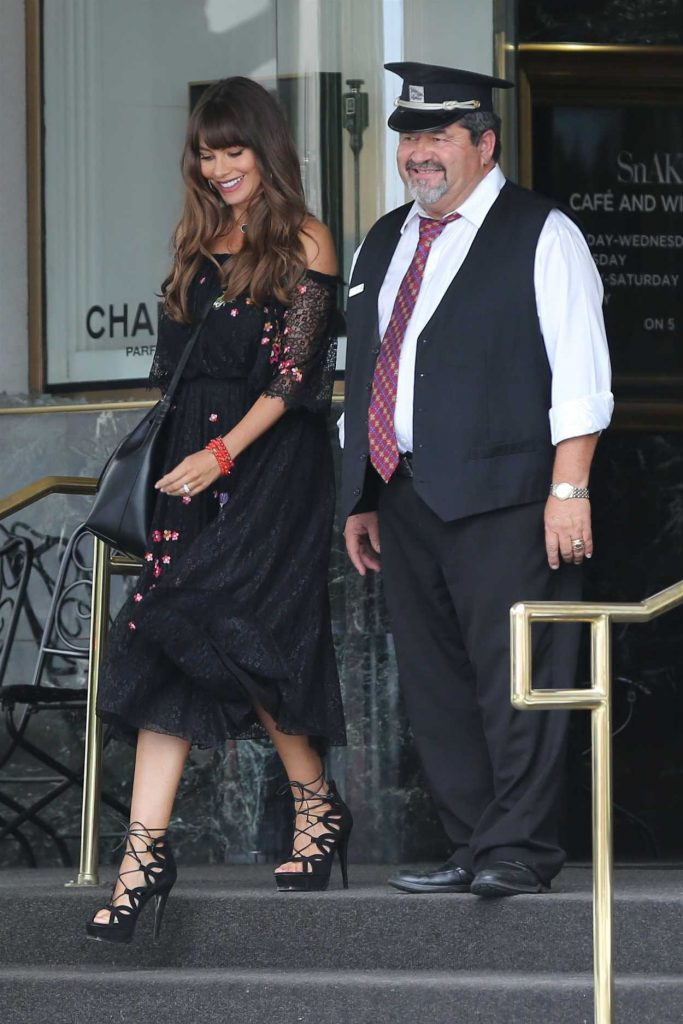 Sofia Vergara Goes Shopping at Saks Fifth Ave in Beverly Hills 08/03/2017-1