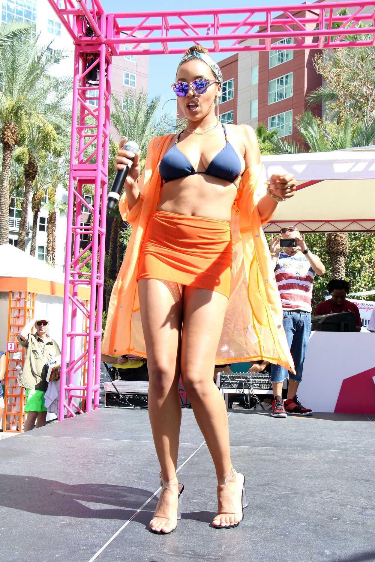 Tinashe performs at go pool las vegas in the flamingo for Pool show las vegas 2018