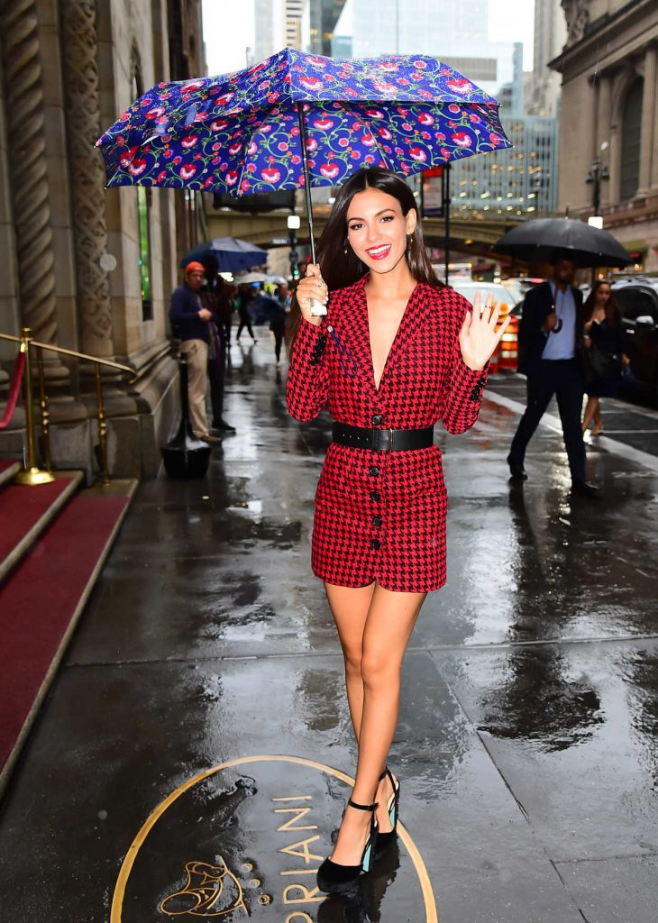 Victoria Justice Was Seen in Midtown in NYC 08/07/2017-2