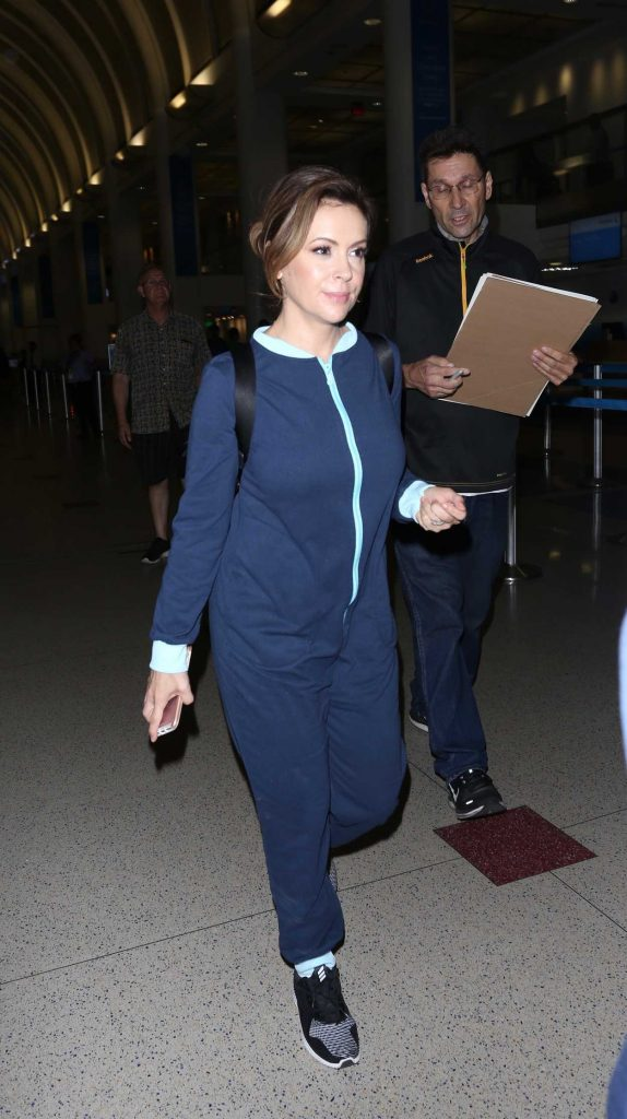 Alyssa Milano Arrives at LAX Airport in Los Angeles 09/02/2017-3
