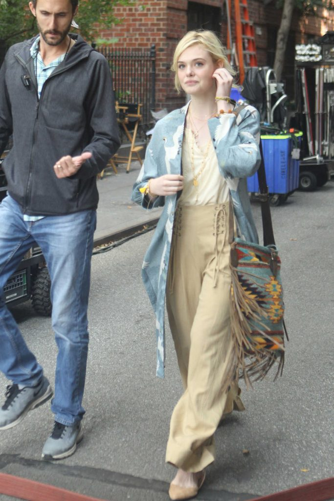 Elle Fanning on the Set of New Woody Allen Film in NYC 09/11/2017-3