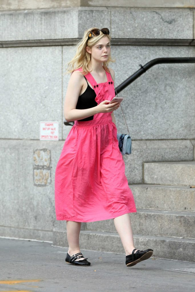 Elle Fanning Returns Home in Soho in New York City 09/04/2017-3