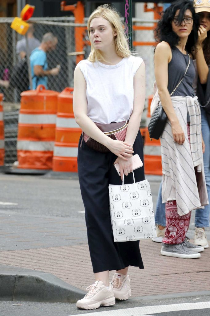 Elle Fanning Was Seen Out in NYC 09/21/2017-3