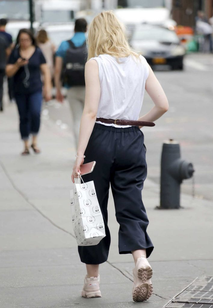 Elle Fanning Was Seen Out in NYC 09/21/2017-5