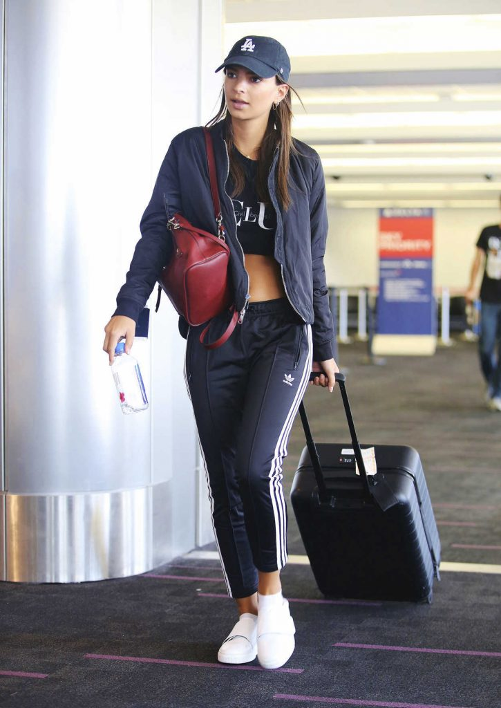Emily Ratajkowski Was Spotted at LAX Airport in LA 09/11/2017-1